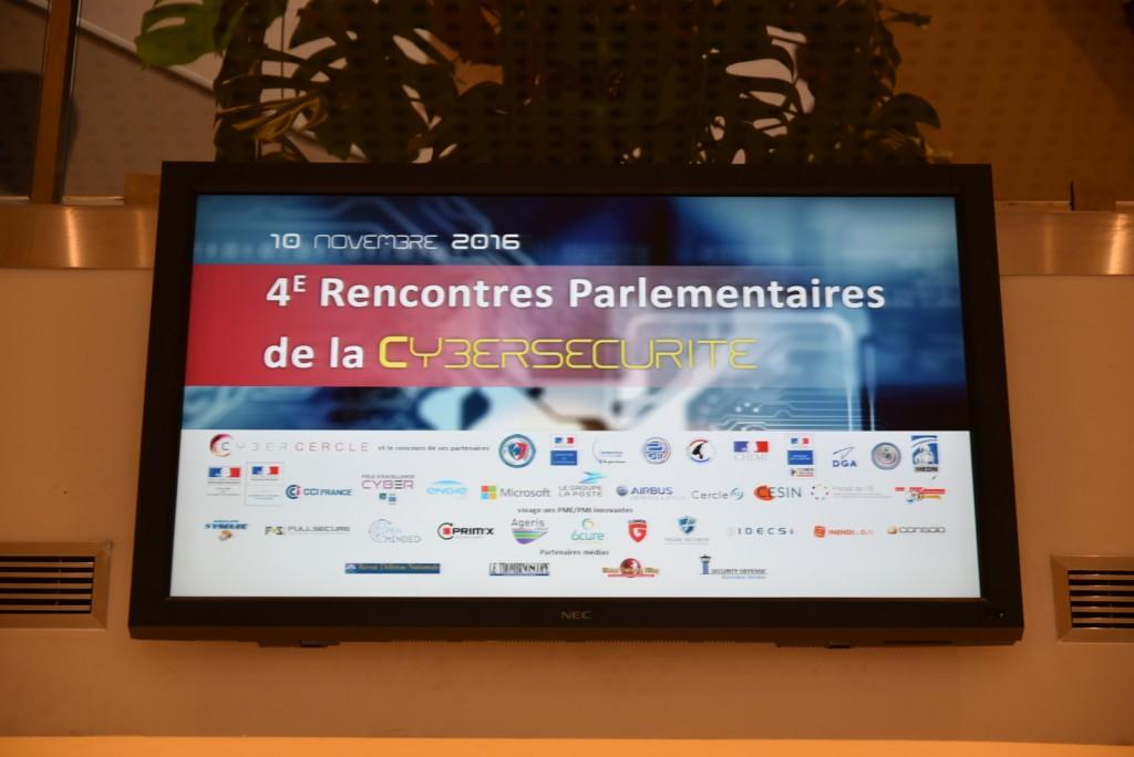 La quatrième édition des Rencontres Parlementaires de la Cybersécurité s'est déroulée le 10 novembre 2016 à l'Ecole militaire, rassemblant 610 participants.